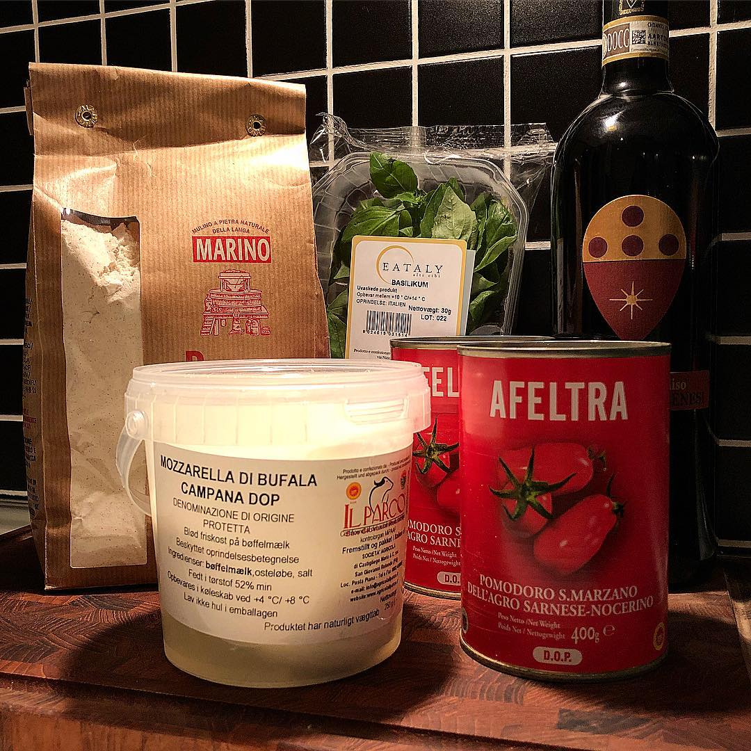 ingredients for a perfect pizza
