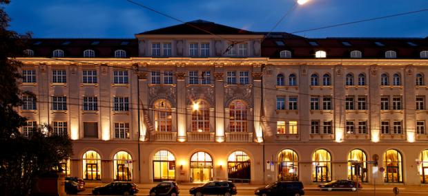 Rilano No. 6 Lenbach Palais