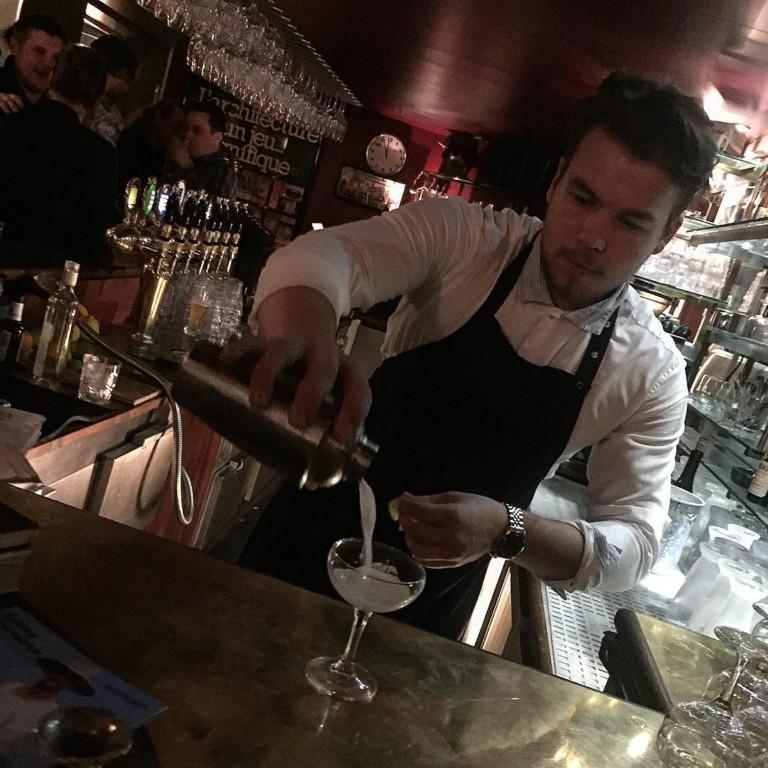 bartender at den blå cafe kolding